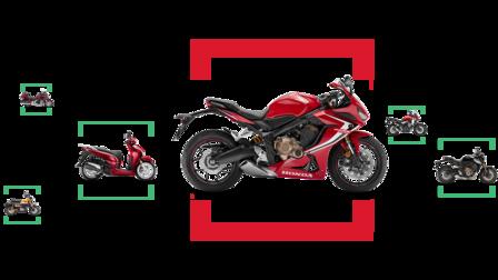 Kombinace bočních záběrů různých motocyklů Honda