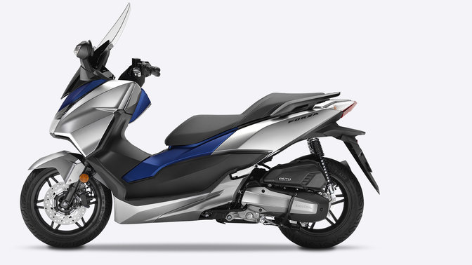 p ehled forza 125 sk tr ada motocykly honda. Black Bedroom Furniture Sets. Home Design Ideas