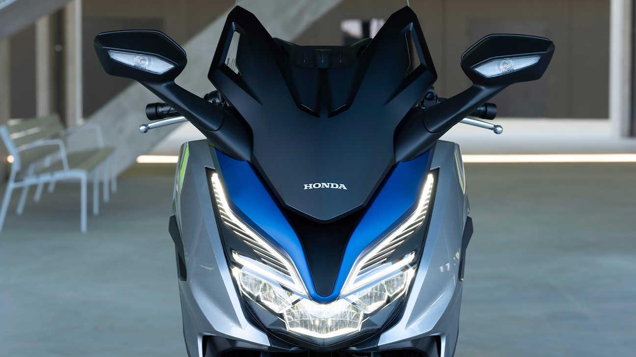 Forza 125, zdokonalená dynamická kapotáž sprvotřídním osvětlením LED