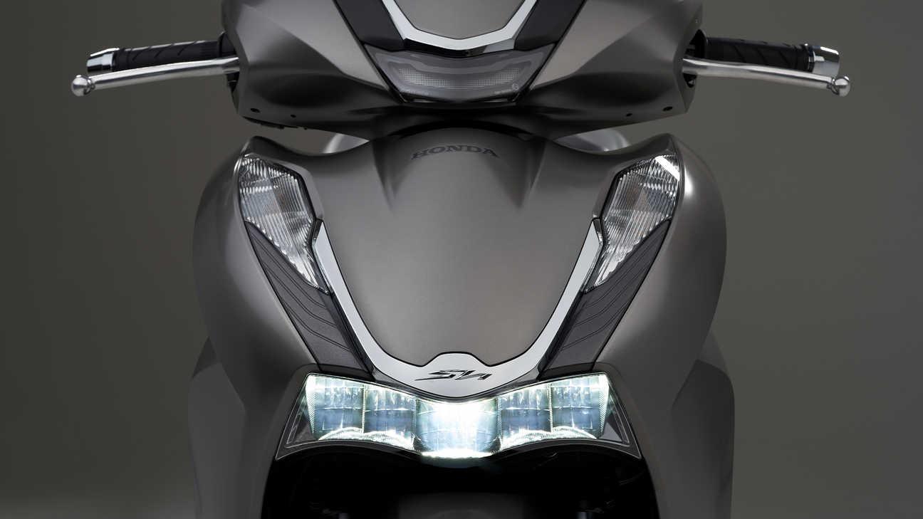 Honda SH350i – atraktivní štíhlý styl sosvětlením LED