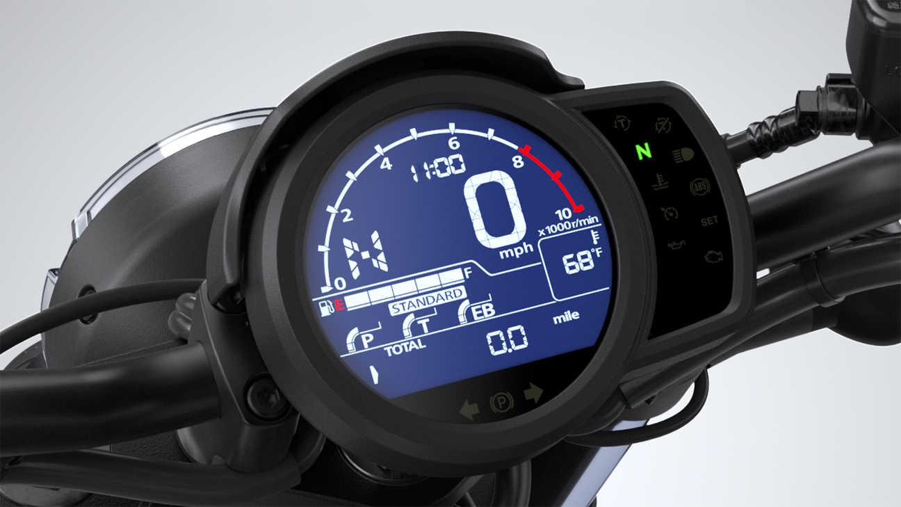 CMX1100 – 4jízdní režimy, třístupňový HSTC ařízení trakce kzamezení zvedání předního kola