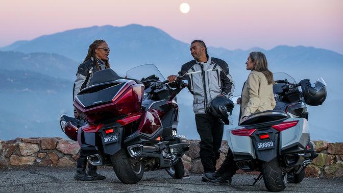 Motocykl Honda Gold Wing Tour s dynamickou ovladatelností a odezvou motoru uspokojí každého jezdce